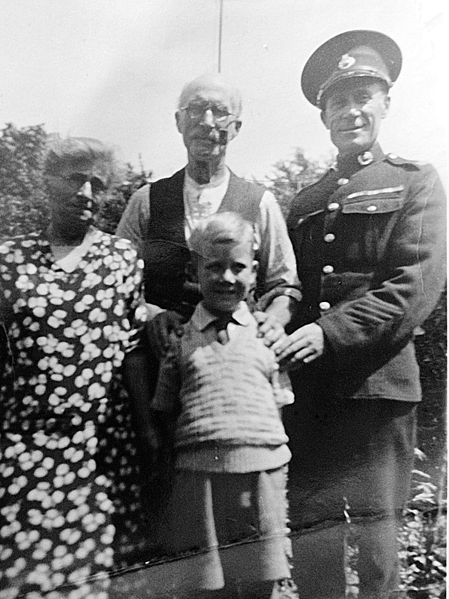 Goode Family Henry, Harry, Elizabeth Chiddicks David Goode